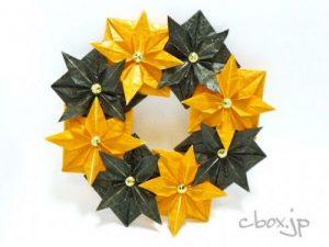 折り紙でオレンジと黒のハロウィンリース