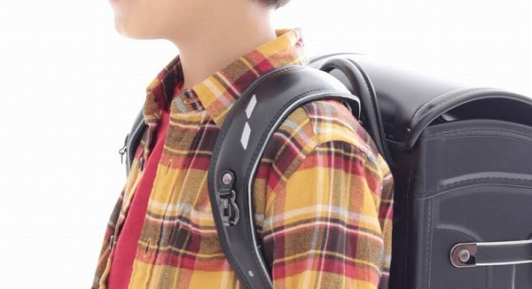 キッズアミのランドセルの肩